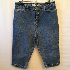 High Rise/ Mom Style Jean Shorts Women's Size W32